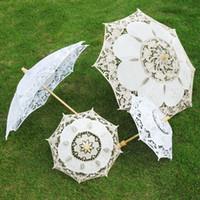 braut requisiten großhandel-Neuer Art Spitze-Braut-Regenschirm-Stickerei-Braut-Regenschirm-Fotografie-Stützen höhlen heraus Spitze Regenschirm freies Verschiffen aus