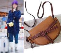 gerçek ay toptan satış-Popüler Marka Mini çanta. Ünlü Şeker Renk Omuz çantası. Bayan için Half Moon Cross-body çantası. Hakiki deri Kabuk Şekli çanta. Güzel Çanta.