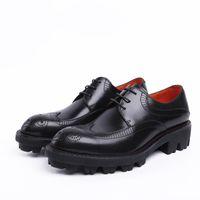 oxfords de plataforma preta venda por atacado-Moda Preto / Marrom Tan Plataforma Oxfords Sapatos de Negócios Dos Homens Sapatos de Casamento De Couro Genuíno Masculino Vestido Sapatos