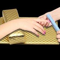 manikür pedi toptan satış-Sıcak Manikür El Yastık El Pad ile Su Geçirmez Yumuşak PU Deri Çiviler Aracı Rastgele Renk wyt77