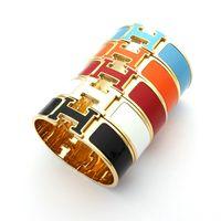 tamaño del brazalete de los hombres al por mayor-Brazalete punk de acero Titanio 316L en 1,8 cm de ancho con esmalte colorido y palabras en H para hombre y mujer en tamaño 5.9 * 4.8 cm regalo de joyería PS63