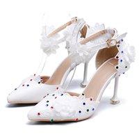 f79799dedc9792 Designer de luxe dentelle blanche a souligné T-bracelet coloré diamant  chaussures de mariage femmes talons hauts pompes banquet taille 35-42