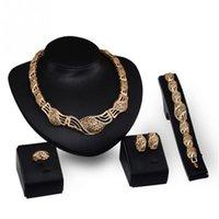 ingrosso collana dorata degli orecchini del braccialetto-Set di gioielli da sposa di lusso da sposa Set di orecchini a forma di strass dorati