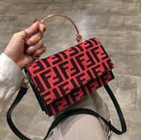bolsos de negocios de cuero suave luz al por mayor-Nuevo diseñador de moda de lujo bolsos de las mujeres bolso Famoso bolsos de diseño Bolso de las señoras Moda bolso de mano de las mujeres tienda de bolsas mochila