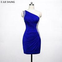 şirin kısa bir omuz elbiseleri toptan satış-E JUE SHUNG Kraliyet Mavi Kısa Gelinlik Modelleri 2018 Boncuklu Bir Omuz Sevimli Kısa Kokteyl Parti