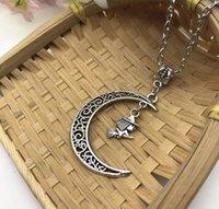 wiccan schmuck halsketten großhandel-Mode antike silber fliegende hexe in mond halskette wiccan halloween aussagekette lange choker halskette anhänger frauen schmuck freundschaft