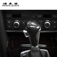 ingrosso manopole automatiche-In fibra di carbonio Car Styling Shift Knob Testa Copertine Adesivi Per Audi A6 C6 A4 B7 A5 Q5 Q7 Cambio Automatico Trim Accessori
