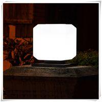 ingrosso piazza recinzione-Lampada da giardino a energia solare a forma di lanterna da esterno
