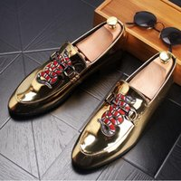 728c48e94 2019 men Europe Fashion Embroidery Printing Snake Lazy Shoes Tip Low Casual  Designer Loafers Patent leather Shoes Dress Shoes