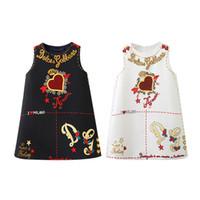 mangas rojas del soplo del cordón del vestido al por mayor-2019 vestido de las muchachas sin mangas del verano del amor del corazón imprimió una línea vestido de princesa bebé niña vestidos de diseñador de ropa boutique c0063