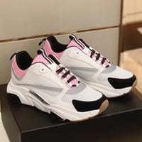 mens casual chaussures gris achat en gros de-B22 Sneaker en rose pâle Technique Tricot Gris Veau Femmes 2019 Date Sneakers Designer De Mode Toile En Cuir De Veau Mens Casual Chaussures De Luxe
