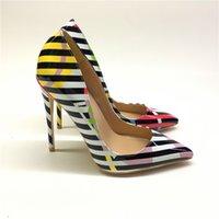 schwarze n weiße high heels großhandel-2019 Europe New Fashion Sexy Schwarz-Weiß-Streifen High Heels Pumps Bunte Graffiti Big Size 43 44 Single Schuhe