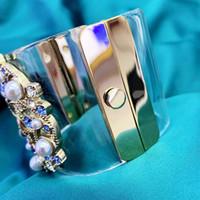 pulseras para dia de san valentin al por mayor-Moda CC Cristal de resina Acrílico Golden pearl Bangle para mujer Regalo de San Valentín Regalo de boda Diseñador de la marca pulsera pulsera joyas para mujeres