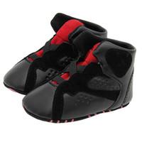 marcas de zapatos recién nacidos al por mayor-Zapatos deportivos para bebés Marca PU Zapatos de cuero Niños recién nacidos Chicas Caminante infantil Prewalker Zapatos Zapatillas de deporte