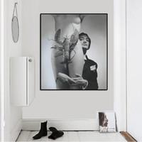 sanat resim çıplak kızlar toptan satış-Salvador Dali Protrait Çıplak Kız ve Karides Pop Art Yağlıboya Yüz Portre Oturma Odası için Tuval Baskı Duvar Resimleri