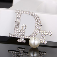 Wholesale silver rhinestone pearl brooches for sale - Group buy Vintage Crystal Luxury Brooch Women Letter Pearl Designer Brooches Rhinestone Fashion Brand Brooches Gift for Love
