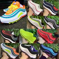 zapatos de estilo de los hombres reales al por mayor-Nike Air Max 97 Zapatos para correr Zapatos para hombres y mujeres Estilo de invierno Tripel Blanco Metálico Oro Plata Bullet Zapatillas blancas Tamaño Eur 36-45 Nuevo color