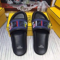 modell flache sandalen großhandel-2019 neueste modelle wehren Slide Sommer Mode Breite Flache Slippery FF Mit Starken Sandalen Slipper Männer schuhe Sandalen Flip Flops mit box 36-44