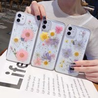 Wholesale Luxury Chrysanthemum Flake Real Flower Case For Iphone Pro XR XS MAX X Plus TPU Glitter Cover Shell Fashion cases