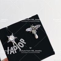 projetos de caixas de presente de luxo venda por atacado-Tem selos moda carta de marca abelha brincos de designer para lady Design Mulheres Amantes Do Casamento Do Partido presente de Luxo Jóias para Noiva com caixa
