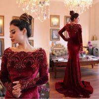 vestidos formales de vino oscuro al por mayor-vestidos de noche de terciopelo rojo de vino tinto vestidos de fiesta 2020 Apliques escote redondo de encaje perlas oscuras de manga larga vestidos formales