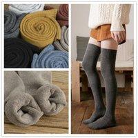 kaliteli uzun çoraplar toptan satış-Kış kadife Kadın Katı Renk Uzun Çorap Yüksek Kalite İçin Diz Çorap Pamuk çorap Moda Uyluk Yüksek Üzerinde Isınma Kalınlaşmak