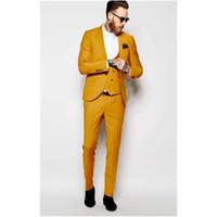 ingrosso formali gialli-Scialle giallo risvolto uomo vestito formale magro alla moda Prom personalizzato giacca uomo 3 pezzi smoking dello sposo (giacca + pantaloni + gilet) B982