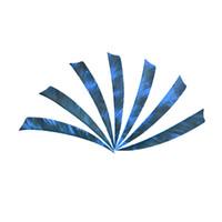 setas emplumadas venda por atacado-Forma de escudo real Seta Pena Asas Direitas Para A Fibra De Vidro De Madeira Eixo Seta Tiro Com Arco Seta Fletchingl Caça Tiro Peru Pena
