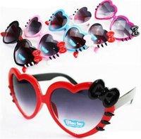 ingrosso ragazzi sfumano-Lovely bowknot occhiali da sole a forma di cuore per bambini estate neonate ragazze occhiali da sole del fumetto ombre parasole occhiali pieghevoli MMA1893