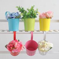 ingrosso vasi da fiori secchi-Secchio di fiori di latta Appeso Vaso di fiori Colori di caramelle Vaso di fiori in metallo Vaso da giardino Balcone verticale da parete Hang Bucket Home Decor
