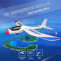 alas dron al por mayor-FX-703 690mm Dron Envergadura Ala de ala de mano Ala fija con etiqueta autoadhesiva RC Carreras Avión RC Aviones DIY Niños Juguetes
