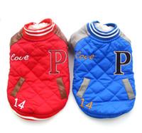 freie verschiffenhund kapuzenpullis großhandel-Förderung Freies Verschiffen! Rot / Blau überprüfte Winter-Hundejacken-Mantel-Taschen-Entwurf, Haustier-WelpenHoodie-Kleidung, 4 Größen Availbale-Haustier-Kleidung