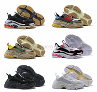 роскошная кроссовка оптовых-2019 Run Shoes Paris 17W Triple-S Тапки Triple S Повседневная Роскошная Папина Обувь для мужчин Женщин Белый Черный Спортивный Теннис Бег Дизайнерская обувь