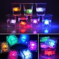mini cubos de gelo led venda por atacado-Led Cubo De Gelo Artificial Mini Flash Luminosa Luz Cubo De Cristal Para Festa de Casamento Do Bar Festival Dia Dos Namorados Decoração de Natal HH7-968