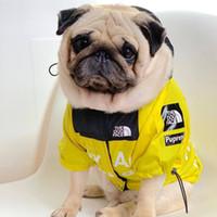 büyük köpekler için tasmalar toptan satış-Amerikan bayrağı sokak moda rüzgar geçirmez tam yağmur kuzey köpekler tasma Sup büyük pet giyim Pet köpek giyim Kazak yaka n1