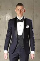 siyah takım elbise yelek toptan satış-Moda Lacivert Damat smokin Siyah Yaka Erkek Düğün Smokin Mükemmel Adam Ceket Blazer 3 Adet Suit (Ceket + Pantolon + Vest + Tie)
