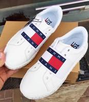 ingrosso logo camminare-Scarpe da corsa da uomo nuovissime logo scarpe bianche Moda casual piatta Sneakers da donna sportive Camoscio Camminare Scarpe da trekking