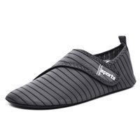 кроссовки сандалии мужчина оптовых-New Men Water Shoes Women Beach Sneakers Size 49 Breathable Upstream Barefoot Sneakers  Shoes Swimming Fishing Sandals