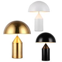 plancher de bambou noir achat en gros de-Chambre minimaliste moderne lumière table lumière nordique personnalité créatrice lampe de table champignon doré noir éclairage de bureau