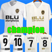 t-shirts de qualité supérieure achat en gros de-Nouveau 2018 2019 Valencia Maillot de foot Camiseta equipacion del Valencia 18 19 Meilleur T-shirt de Football de Qualité 3A Parejo Batshuayi Gameiro