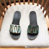 sandálias pretas elegantes venda por atacado-Estilo quente preto fundo liso senhoras moda chinelos nobres e elegantes sandálias da marca de escolha carta chinelos