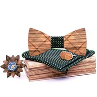 krawatte tasche quadratischen kasten großhandel-Vintage Holz Fliege Männer Einstecktuch Taschentuch Manschettenknöpfe Revers Blumenbrosche mit Box Set