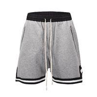новые модные брюки оптовых-Мужские шорты Летние новые штаны для фитнес-джоггеров High Street Брюки с открытой спиной Черно-белые швы для ног Хип-хоп Модные дизайнерские спортивные штаны