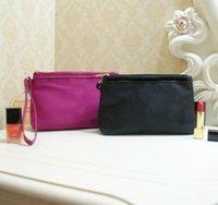 bolsos de terciopelo negro al por mayor-Gran venta ! Nuevo patrón clásico rosa negro 2 color bolso de moda diseñador de cosméticos bolso famoso logotipo de terciopelo bolsa