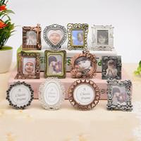 mini marcos de llavero al por mayor-Niños Photo Studio Frames Retro Escritorio Decor Creative Mini Photo Picture Frame Holder llavero regalos de cumpleaños ZC0696