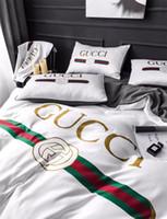 ingrosso set bianchi di biancheria da letto-Biancheria da letto bianca lettera G 4PCS Semplice verde rosso Stampa biancheria da letto Suit Set di copripiumino di alta qualità