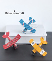 ingrosso ornamenti metallici d'epoca-Aereo in ferro Decorazione Aereo in metallo Aliante Biplano Ornamenti antichi Modello di aeromobili in ferro d'epoca