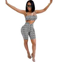 traje de mujer de moda al por mayor-Ropa de mujer Dos mujeres Venta al por mayor Moda Sexy Sports Sling Shorts Body transpirable pantalones absorbentes de dos piezas conjunto de mujeres monos