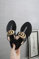 çiftler için terlik toptan satış-Ücretsiz kargo Kadınlar Slayt Yaz Moda Geniş Düz Kaygan Ile kalın Sandalet Terlik Ev Damızlık Flip Flop çift 35-45