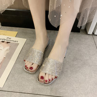 Wholesale gold glitter low heels resale online - Glitter Crystal Low Heel Slippers Women Shiny Transparent Pvc Open Toe Slides Women Shoes Summer Outdoor Slippers Gold Silver